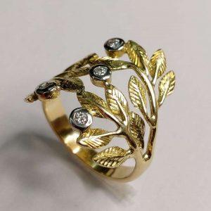 Anel Folhas em Ouro